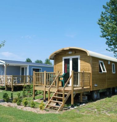 Ungewöhnliche Unterkunft planwagen campingplatz le marqueval