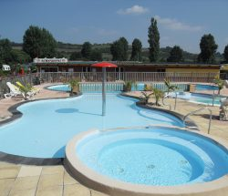outdoor-pool camping marqueval